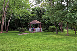 Gazebo on the grounds the Baladerry Inn, Gettysburg