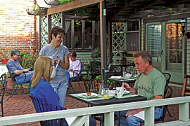 Seasonal breakfast on the terrace of the Baladerry Inn, Gettysburg