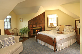 Marigold guestroom at the Baladerry Inn, Gettysburg