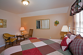 Tulip guestroom at the Baladerry Inn, Gettysburg